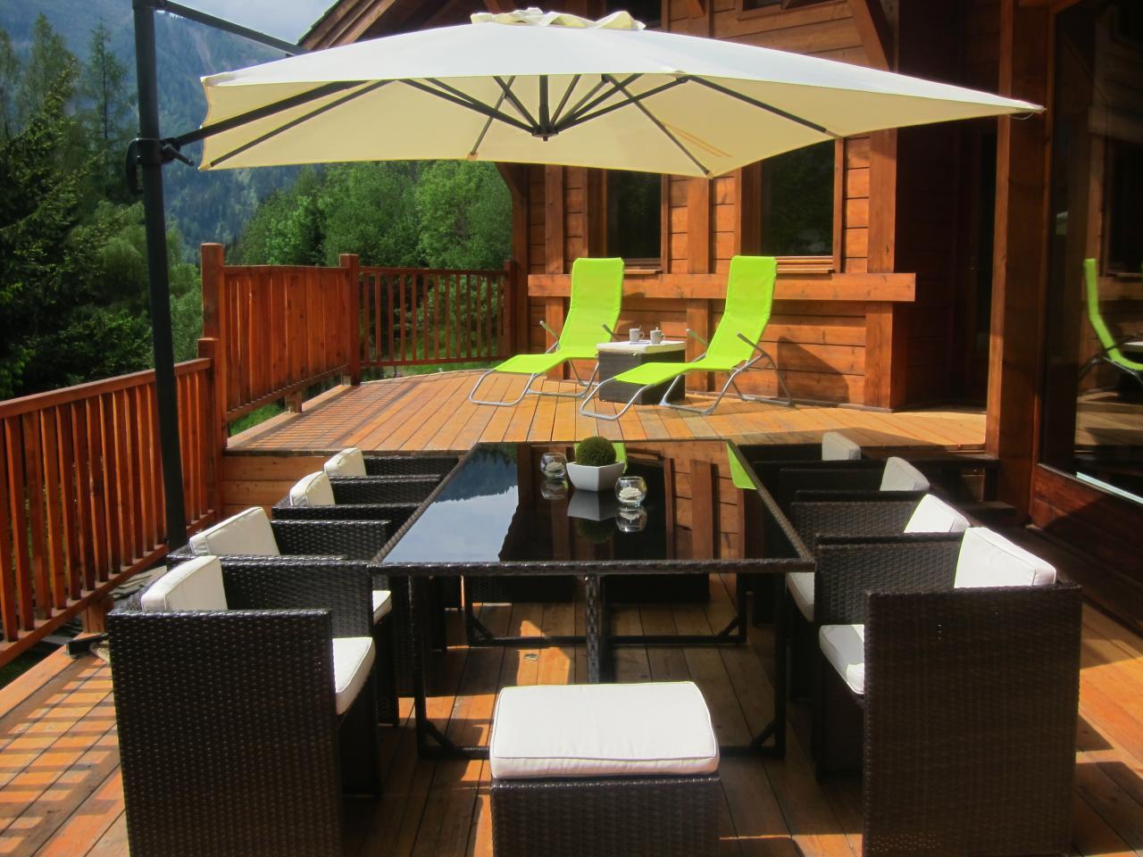Terrasse 50m2 Barbecue et plancha pour les experts en grillades (2)