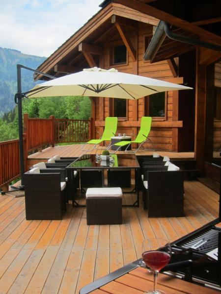 Terrasse 50m2 Barbecue et plancha pour les experts en grillades