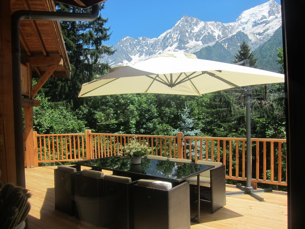 Terrasse sans vis à vis avec vue sur la chaîne du mont Blanc (3)