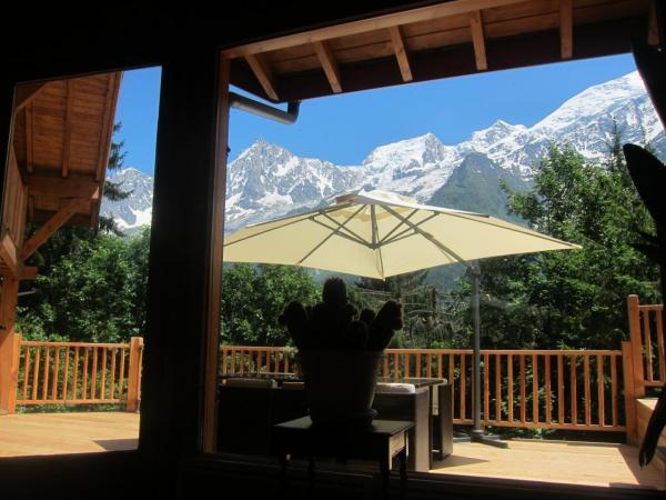 Terrasse sans vis à vis avec vue sur la chaîne du mont Blanc